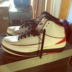 Jordan retro 2 sz 12 sneakers